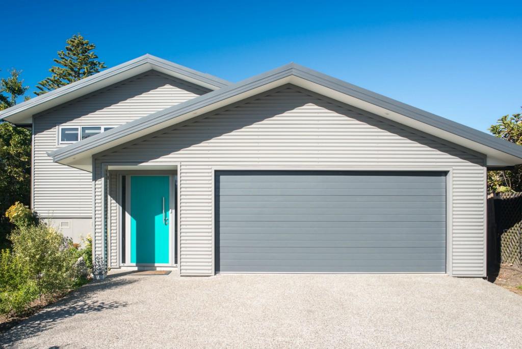 Residential Sectional Garage Door : Residential garage doors contour nelson blenheim