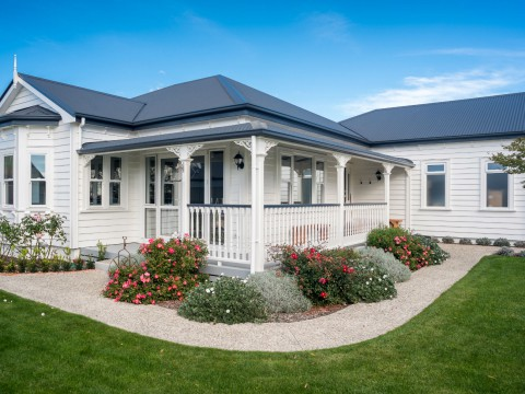 Colonial Style Home Contour Nelson Amp Blenheim